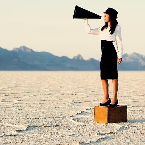 5 conseils dexpert pour communiquer efficacement femme communication haut parleur