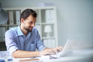 5 clés essentielles pour améliorer son site internet commercialement shutterstock 154519763 300x200