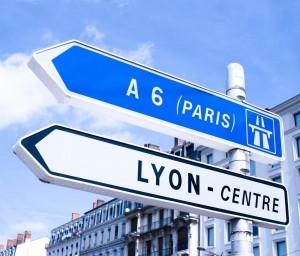 Choisissez dentreprendre à Lyon ou à Paris pour les meilleures raisons paris contre lyon 300x256
